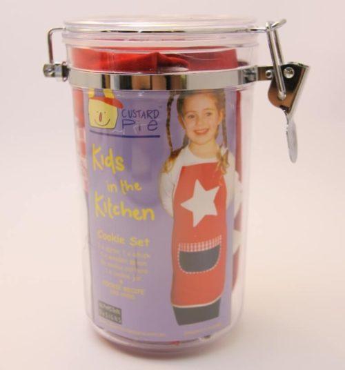 Red Cookie cutter set in jar